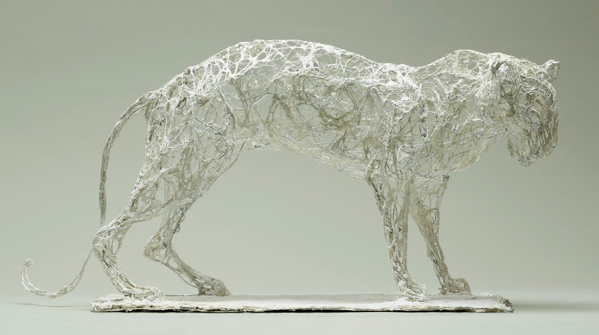 Jaguar, 43x16x27cm, fil de fer, plâtre, filasse, 2016. Nathalie Garidou